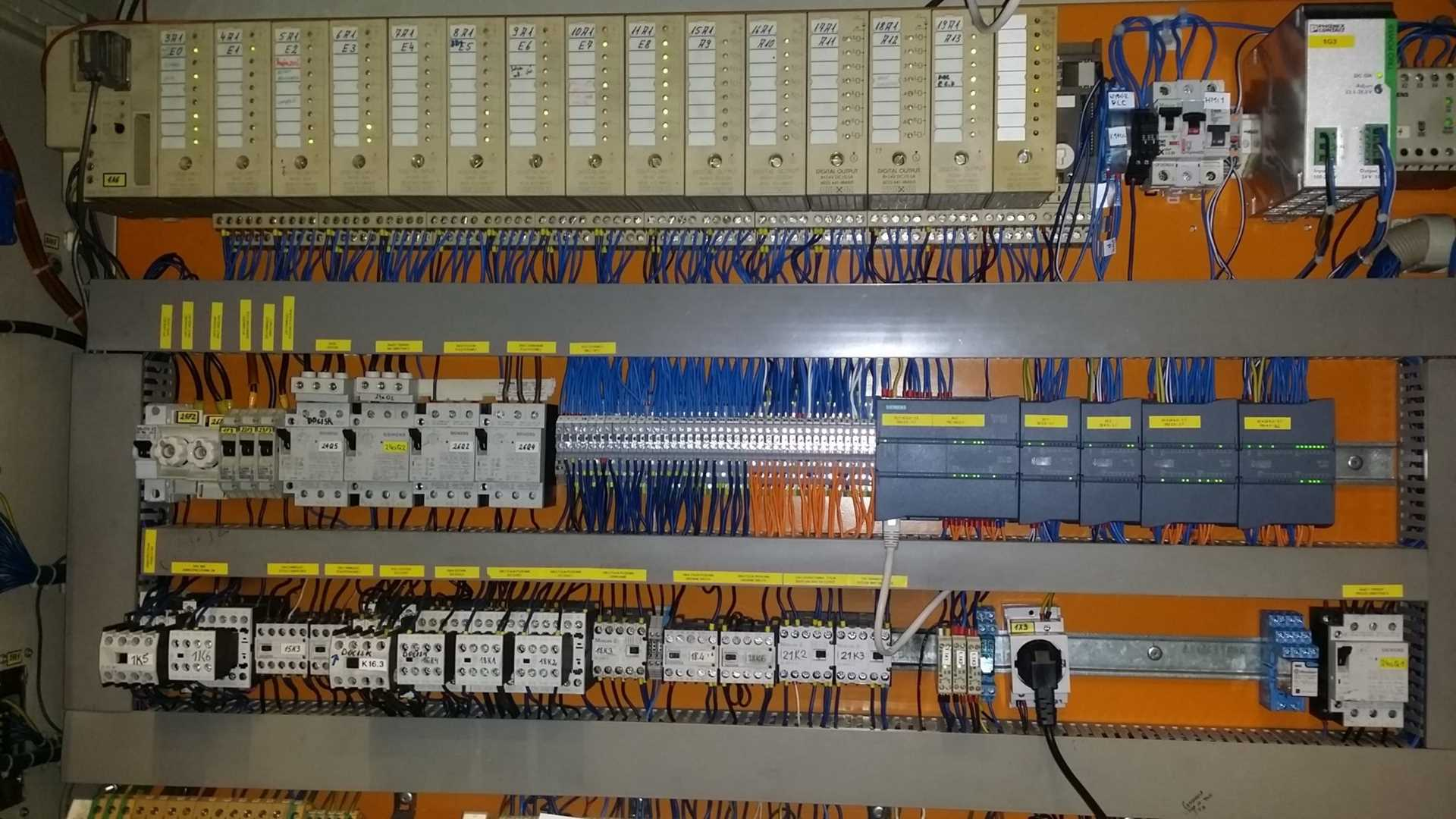 Podczas modernizacji szafy elektrycznej - oba sterowniki siemens S5 i S7 w szafie