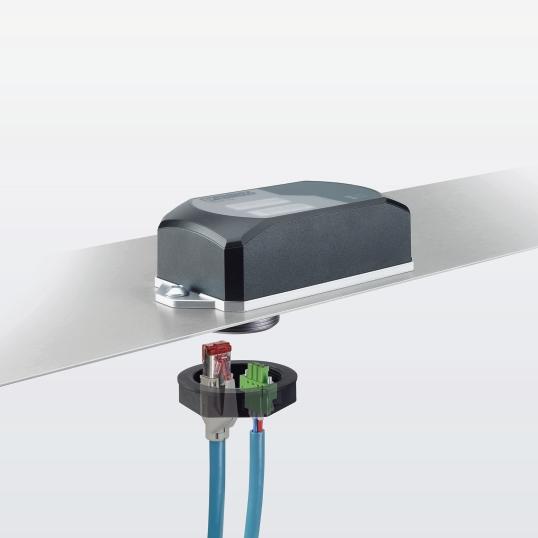 Z powodu oprawy z jednym otworem WLAN 1100 może być łatwiej i szybciej mocowany bezpośrednio na maszynach, pojazdach lub szafach sterowniczych