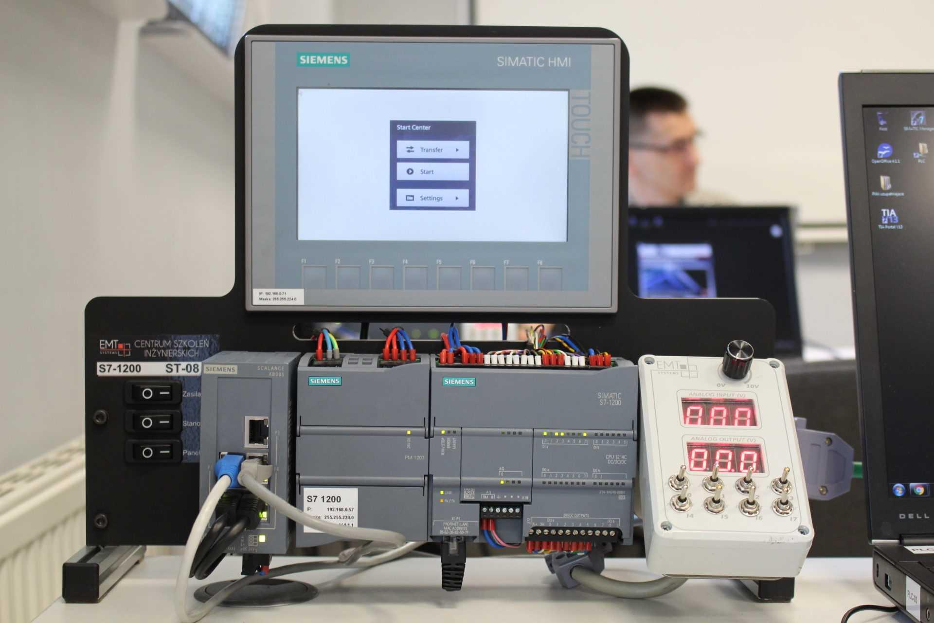 Siemens S7-1200 na szkoleniu w EMT-SYSTEMS w Gliwicach iautomatyka.pl tam było